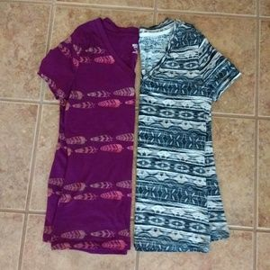 2 printed v-neck tees - feather, tribal prints Med
